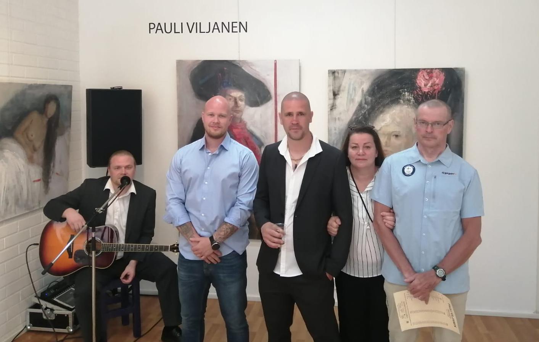Näyttely Keskusgalleria, trubaduuri Harri Mäkinen